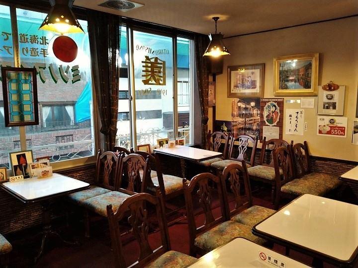 小樽 カフェ アイスクリームパーラー美園 店内
