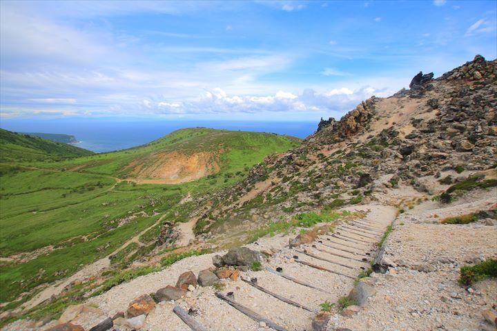 函館から日帰り可能!荒涼な山塊・日本新百名山「恵山」登山ガイド