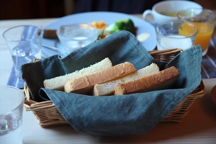 トムテルム 食事 パン